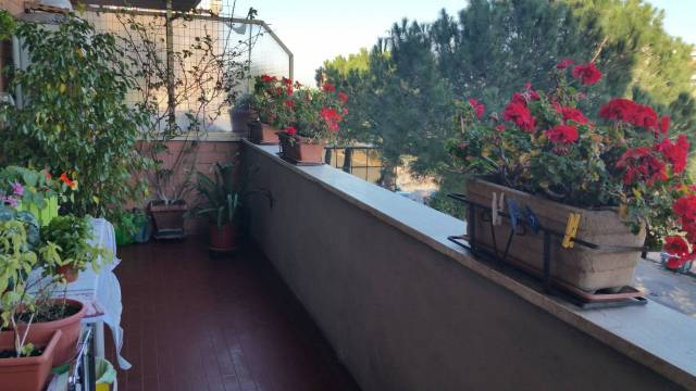Appartamento in vendita a Roma, 5 locali, zona Zona: 12 . Cinecittà,Don Bosco, Lucrezia Romana, prezzo € 310.000 | CambioCasa.it