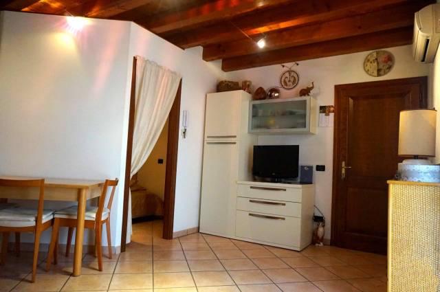 Appartamento in vendita a Ghedi, 1 locali, prezzo € 58.000 | CambioCasa.it