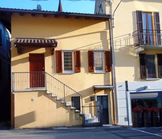 Soluzione Indipendente in vendita a Valmadrera, 3 locali, prezzo € 185.000   CambioCasa.it