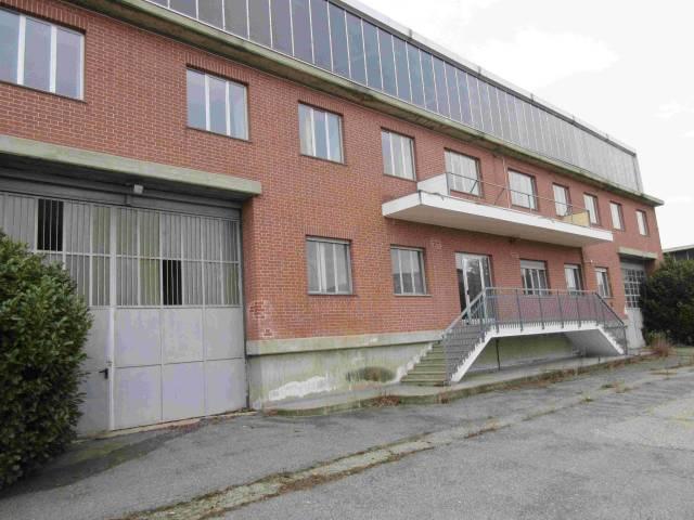 Capannone in affitto a Bruino, 6 locali, prezzo € 4.650 | CambioCasa.it