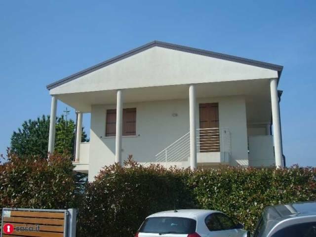 Soluzione Indipendente in vendita a Abano Terme, 6 locali, prezzo € 475.000   CambioCasa.it