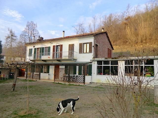 Rustico / Casale in vendita a Portacomaro, 6 locali, prezzo € 260.000 | CambioCasa.it