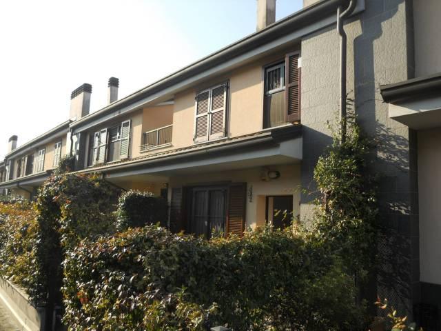 Villa a Schiera in vendita a Rozzano, 4 locali, prezzo € 365.000 | CambioCasa.it