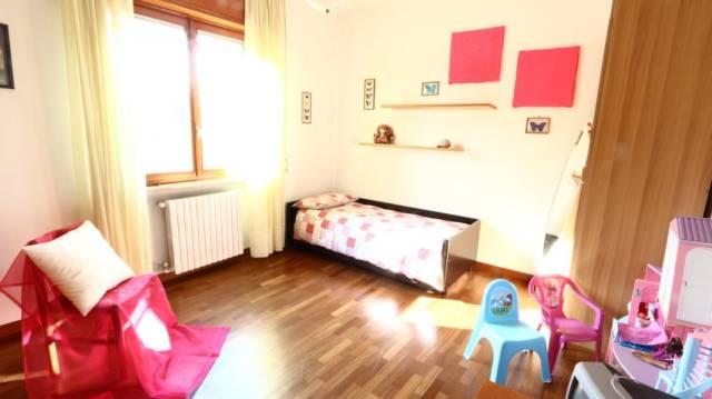 Villa in vendita a San Giuliano Milanese, 4 locali, prezzo € 310.000 | CambioCasa.it