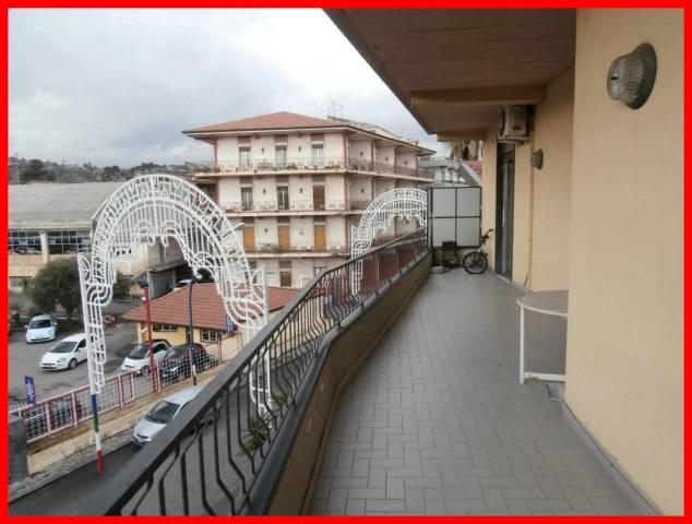 Appartamento in vendita a Viagrande, 4 locali, prezzo € 109.000 | CambioCasa.it