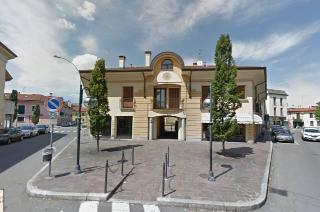 Negozio / Locale in vendita a Parabiago, 2 locali, prezzo € 280.000 | CambioCasa.it