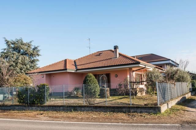 Villa in vendita a Nerviano, 4 locali, prezzo € 395.000 | CambioCasa.it