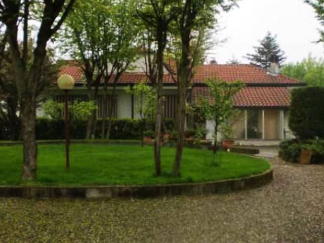 Villa in vendita a Pietra Marazzi, 6 locali, prezzo € 190.000 | CambioCasa.it
