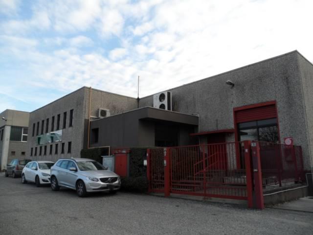 Capannone in vendita a Cabiate, 1 locali, prezzo € 690.000 | CambioCasa.it