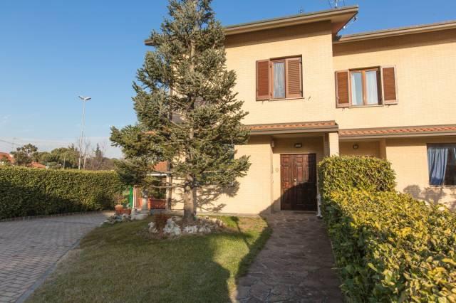Villa in vendita a San Vittore Olona, 4 locali, prezzo € 280.000 | CambioCasa.it