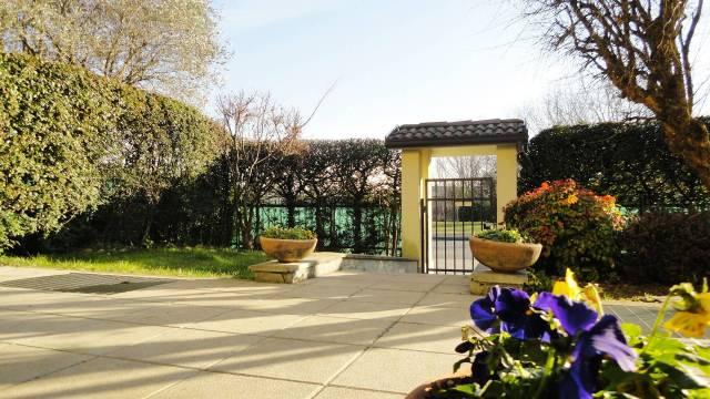Villa in vendita a Basiano, 6 locali, prezzo € 360.000   CambioCasa.it
