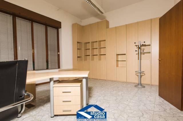 Ufficio / Studio in vendita a Legnano, 3 locali, prezzo € 180.000 | CambioCasa.it