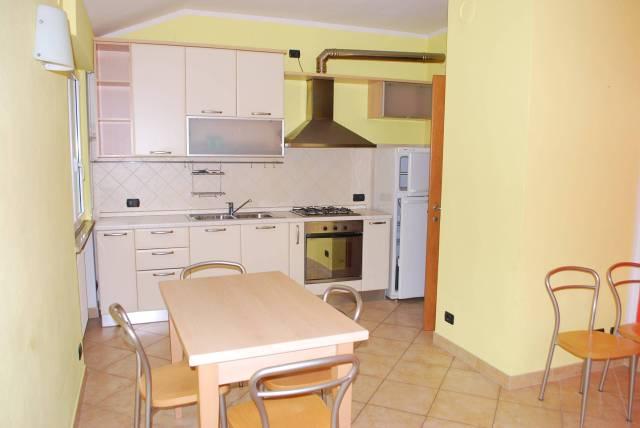 Villa in vendita a Rodello, 4 locali, prezzo € 155.000 | CambioCasa.it