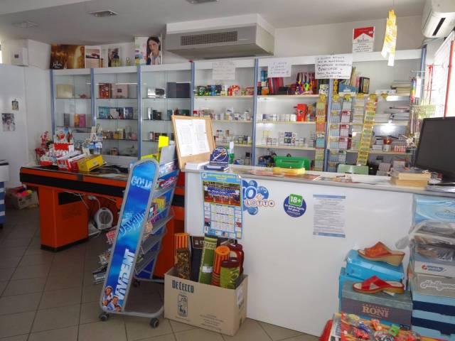Tabacchi / Ricevitoria in vendita a Corropoli, 1 locali, prezzo € 180.000   CambioCasa.it