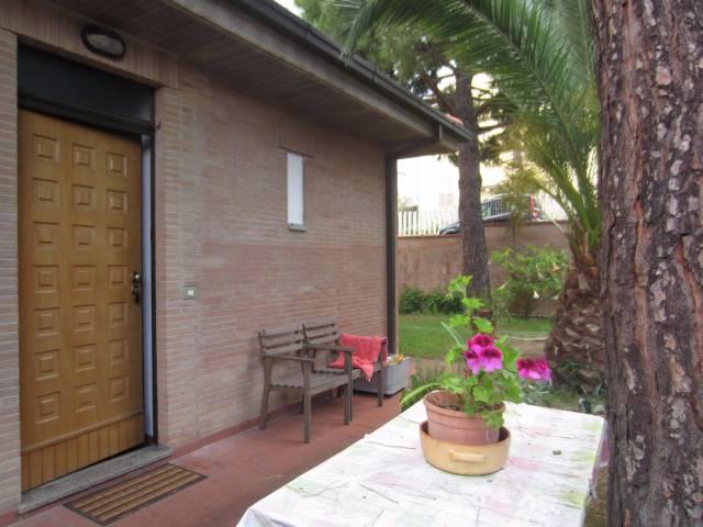 Villa in vendita a Civitanova Marche, 5 locali, prezzo € 430.000   CambioCasa.it