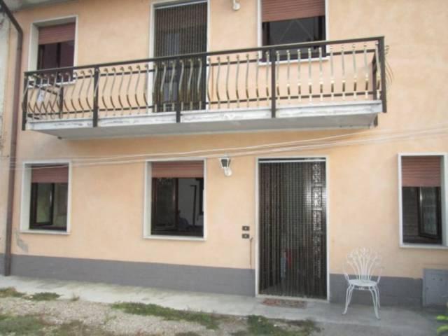 Soluzione Indipendente in vendita a Rodigo, 5 locali, prezzo € 123.000 | CambioCasa.it