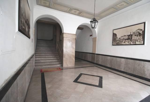 Appartamento in vendita a Trieste, 5 locali, prezzo € 350.000 | CambioCasa.it