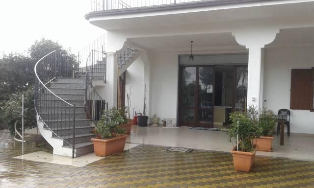 Negozio / Locale in affitto a Ginosa, 6 locali, prezzo € 6.000 | CambioCasa.it