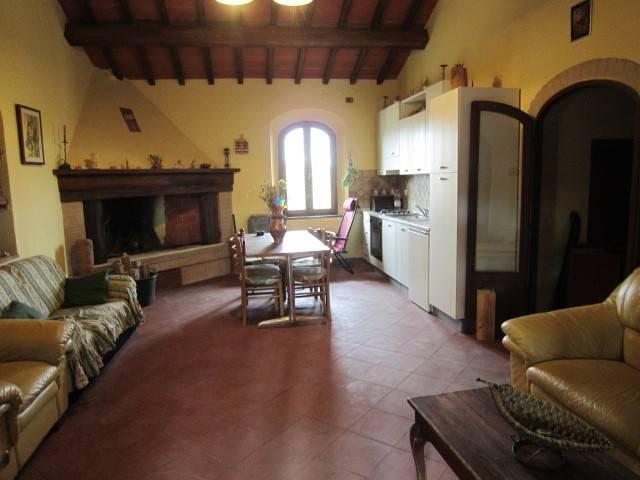 Rustico / Casale in vendita a Colle di Val d'Elsa, 3 locali, prezzo € 175.000 | CambioCasa.it