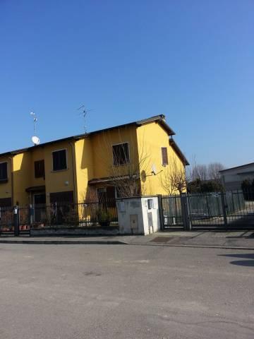 Villa a Schiera in vendita a Borghetto Lodigiano, 5 locali, prezzo € 165.000 | CambioCasa.it