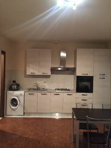 Appartamento in affitto a Pinerolo, 2 locali, prezzo € 400 | CambioCasa.it