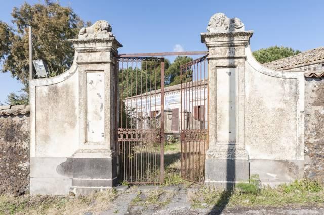 Rustico / Casale in vendita a Belpasso, 9999 locali, prezzo € 425.000 | CambioCasa.it