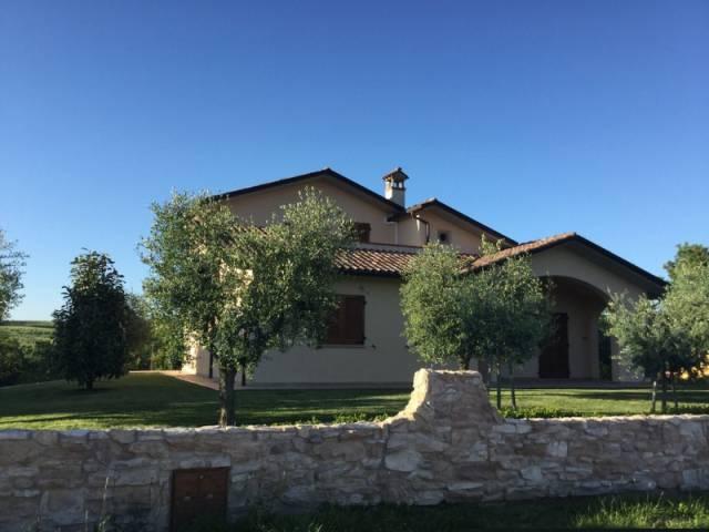 Villa in vendita a Citerna, 9999 locali, Trattative riservate | CambioCasa.it