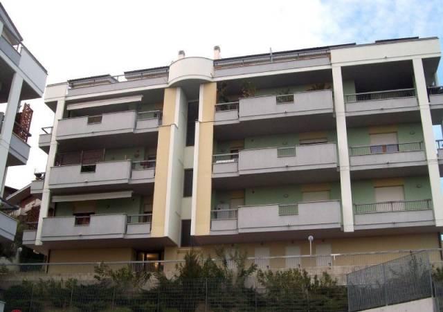 Appartamento in vendita a Spoltore, 6 locali, prezzo € 198.000 | CambioCasa.it