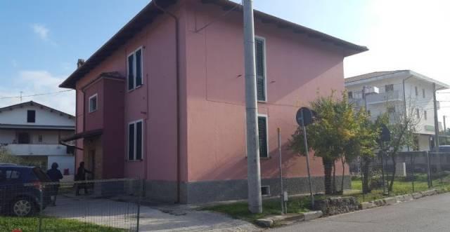Appartamento in vendita a Manoppello, 4 locali, prezzo € 60.000 | CambioCasa.it