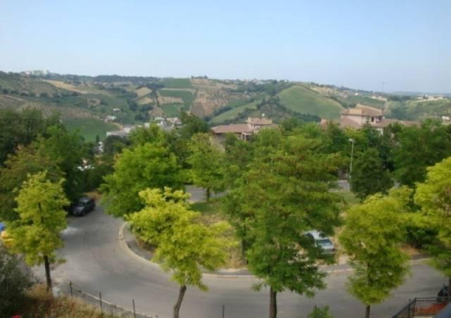 Appartamento in vendita a Chieti, 3 locali, prezzo € 160.000   CambioCasa.it