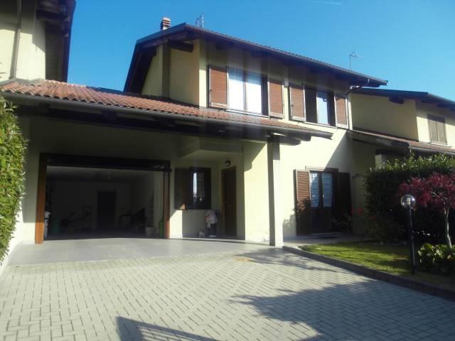 Villa in vendita a Sant'Ambrogio di Torino, 5 locali, prezzo € 235.000 | CambioCasa.it