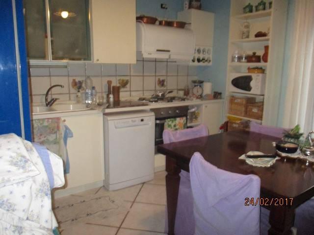 Appartamento in vendita a Mercato San Severino, 3 locali, prezzo € 155.000 | CambioCasa.it