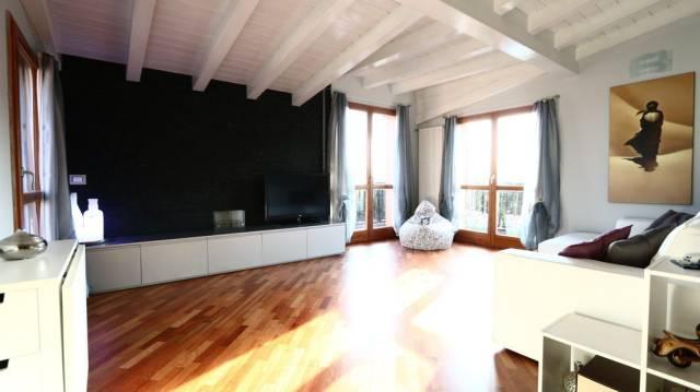 Appartamento in vendita a Correzzana, 2 locali, prezzo € 147.000   CambioCasa.it