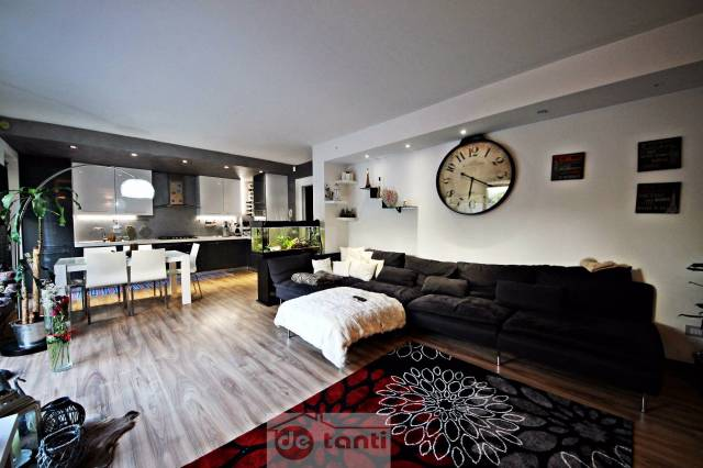 Appartamento in vendita a Prata Camportaccio, 3 locali, prezzo € 215.000 | CambioCasa.it