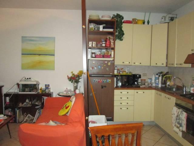 Appartamento in vendita a Rodigo, 3 locali, prezzo € 78.000 | CambioCasa.it