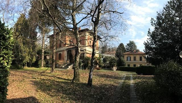 Villa in affitto a Varese, 6 locali, prezzo € 3.333 | CambioCasa.it