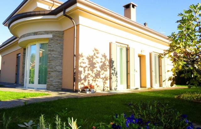 Villa in vendita a Vimercate, 4 locali, prezzo € 640.000 | CambioCasa.it