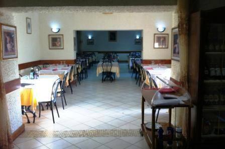 Ristorante / Pizzeria / Trattoria in vendita a Lacchiarella, 4 locali, prezzo € 250.000 | CambioCasa.it