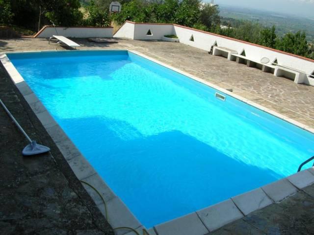 Villa in vendita a Ogliastro Cilento, 6 locali, prezzo € 185.000 | CambioCasa.it