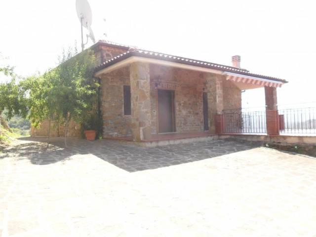 Villa in vendita a Prignano Cilento, 3 locali, prezzo € 185.000 | CambioCasa.it