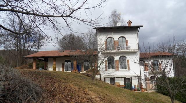Villa in vendita a Bioglio, 5 locali, prezzo € 390.000 | CambioCasa.it