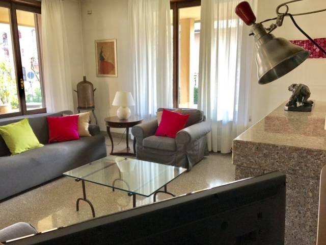 Villa in vendita a Sulbiate, 6 locali, prezzo € 490.000 | CambioCasa.it