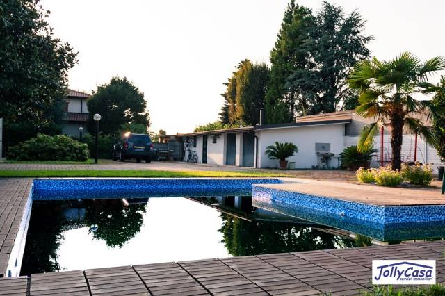 Villa in Vendita a Misinto