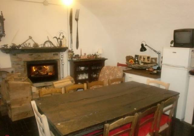 Rustico / Casale in vendita a Calizzano, 3 locali, prezzo € 120.000 | CambioCasa.it