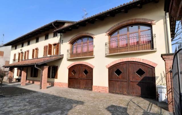 Rustico / Casale in vendita a Magliano Alfieri, 6 locali, prezzo € 780.000   CambioCasa.it