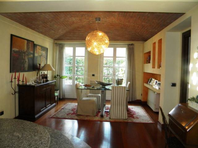 Appartamento in vendita a Olgiate Olona, 4 locali, prezzo € 349.000 | CambioCasa.it