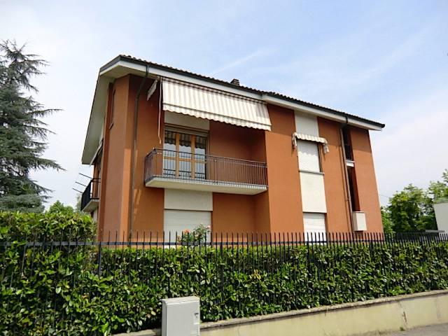 Villa in vendita a Asti, 6 locali, prezzo € 400.000 | CambioCasa.it