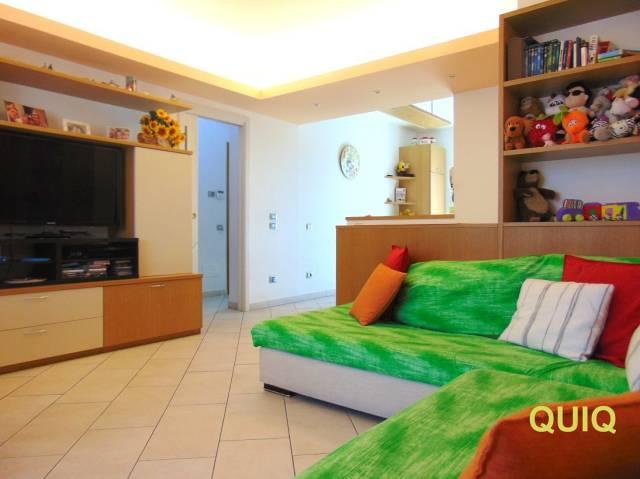 Appartamento in vendita a Annone di Brianza, 3 locali, prezzo € 175.000 | CambioCasa.it