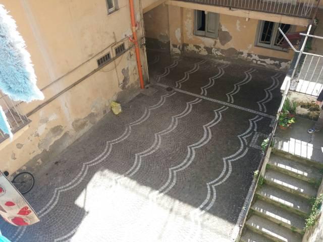 Palazzo / Stabile in Vendita a Sant'Antimo