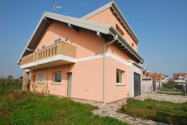 Villa in vendita a Ceriano Laghetto, 3 locali, prezzo € 235.000 | CambioCasa.it